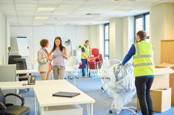 Commercial Movers Make Moving into a New Office a Breeze
